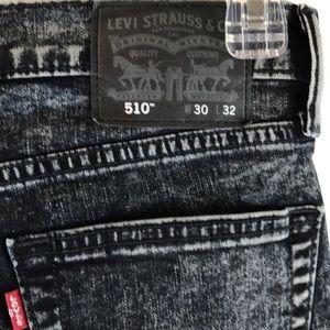Levi's Strauss 520  size 30 x 32 Black